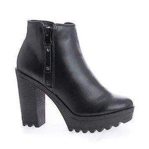 Breckelles Asha-11 Ankle Boots Black High Heel
